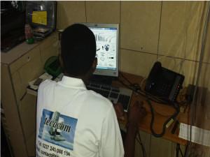 Etude et developpemennt des solutions informatique et télécom pour entreprises au cameroun